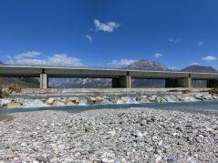 Autobahnbrücke mit 3 Stufen