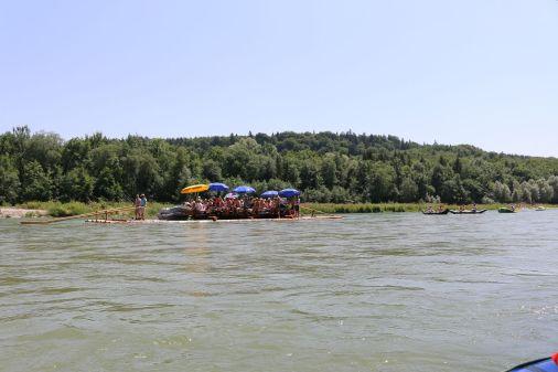 Parade aus allerlei Booten..