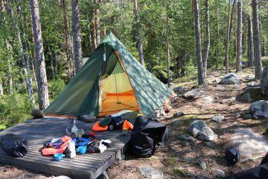 Holzplattform fürs Zelt - gerade groß genug