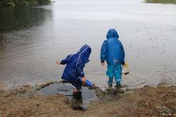 Spielen im Regen