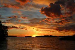 ein weiterer farbenprächtiger Sonnenuntergang