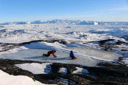 Spielen auf einer Eisfläche