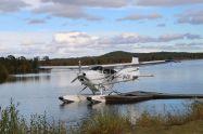 Wasserflugzeut auf dem Inarisee - ich bereue inzwischen, dass wir die Gelegenheit zum Rundflug nicht wahrgenommen haben!