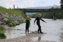 Treffen an der Brücke in Krün