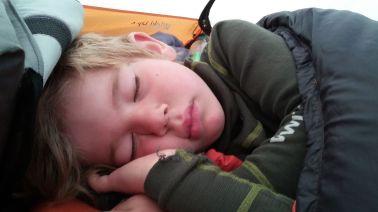 noch schläft Jaaku