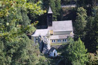 Blick auf Klobenstein und Kloster