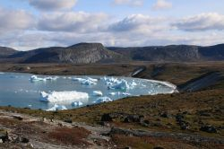 ...von wo aus wir endlich den Fjord mit seinen Eisbergen sehen