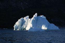 Eisberg in der Nachmittagssonne