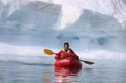 ...zwischen beeindruckenden Eisbergen