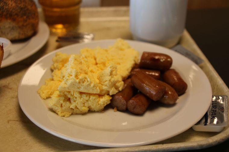 riesiges und kalorienreiches Frühstück nach fast 3 Wochen Wildnis