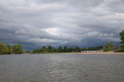 La Charite mit düsteren Wolken