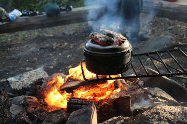 Brotbacken am Lagerfeuer